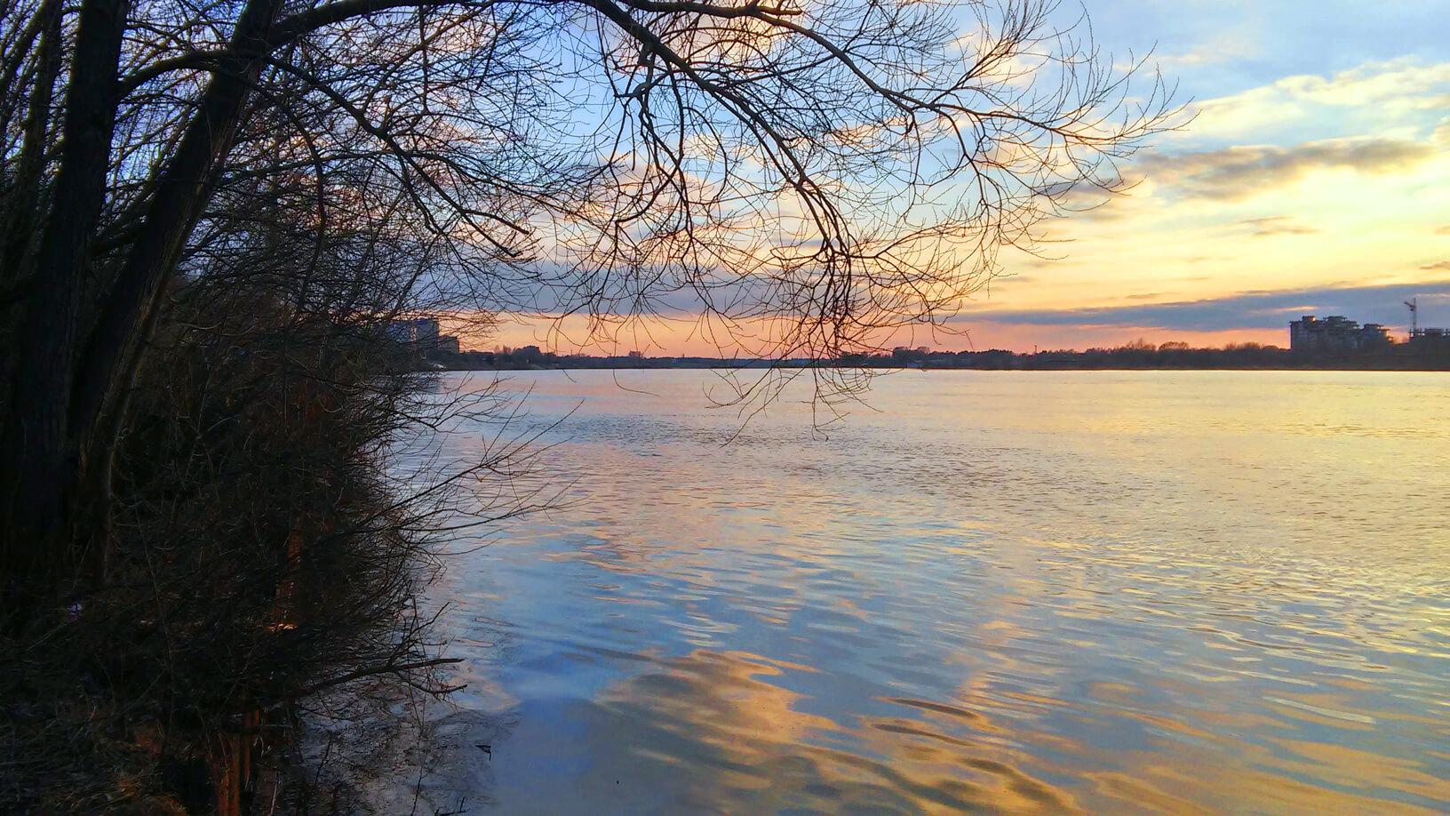 река Волга в Дубне